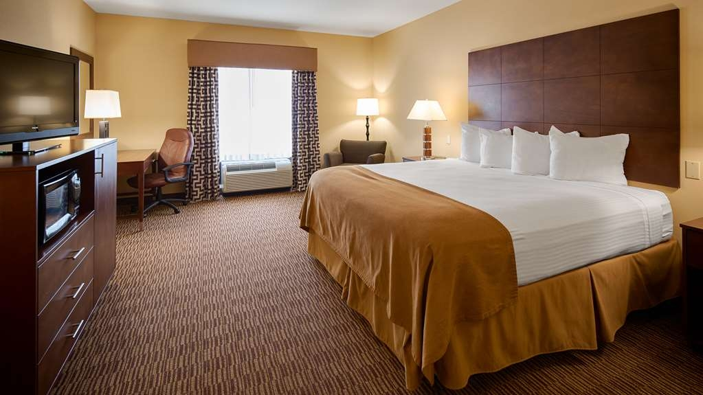 Best Western St. Francisville Hotel - our standard king room offers the comforts of home with a few added amenities that will make your stay extra special.
