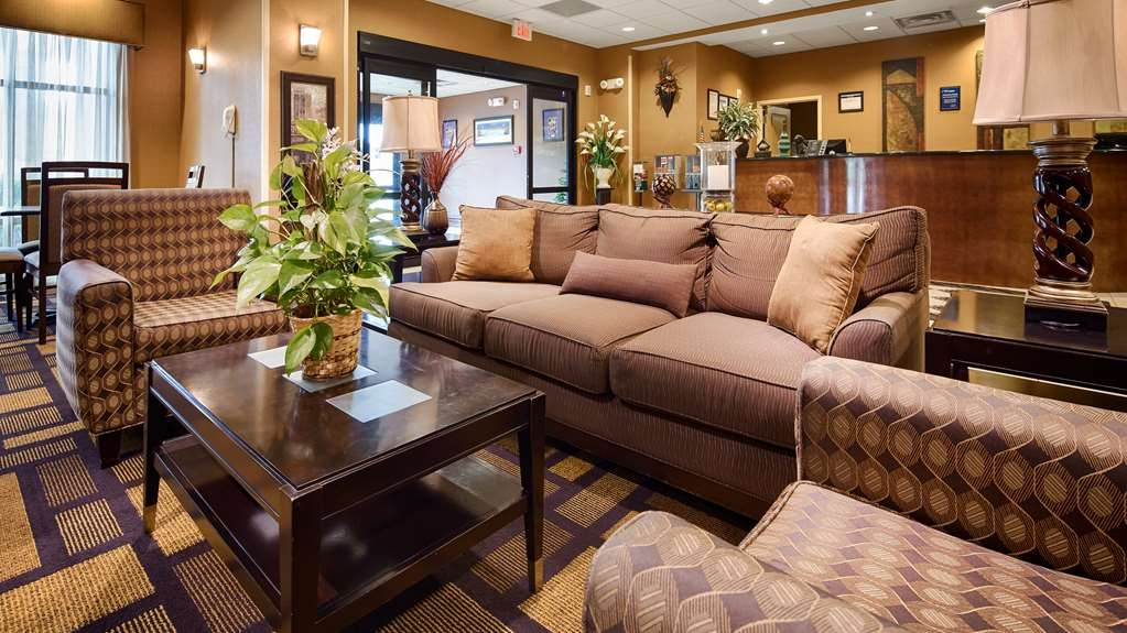 Best Western St. Francisville Hotel - We strive to exceed your every expectation starting from the moment you walk into our lobby.