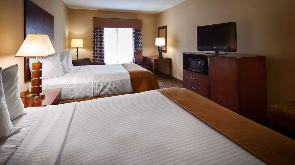 Best Western St. Francisville Hotel - if you're travelling with your family or friends, opt for our room with 2 Queen beds.