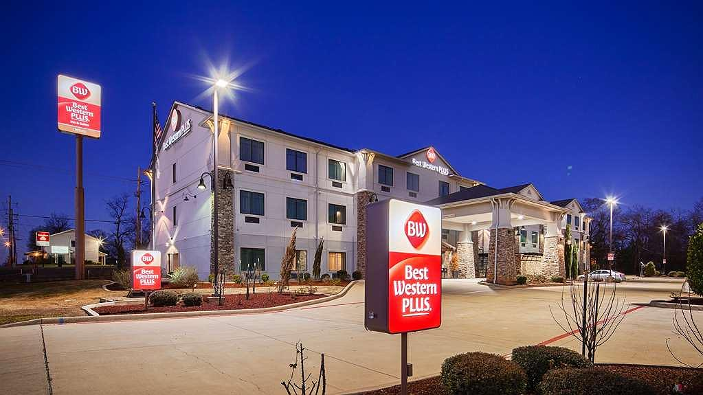 Best Western Plus DeSoto Inn & Suites - Aussenansicht