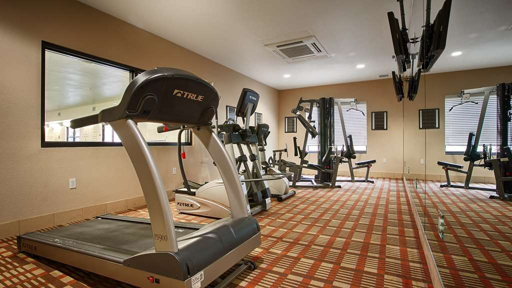 Best Western Plus DeSoto Inn & Suites - Maintain your fitness routine during your stay with us in our fitness center.