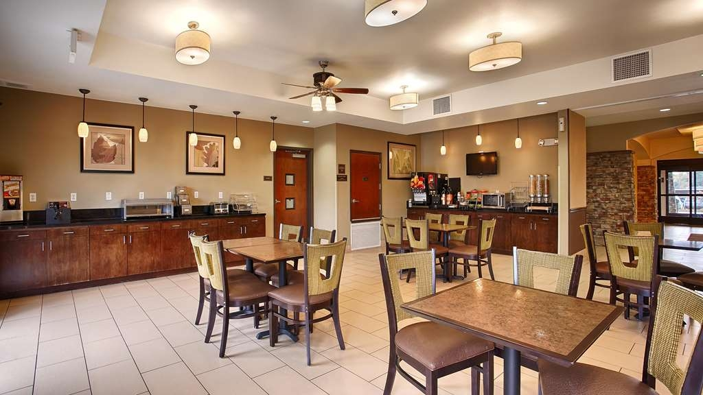 Best Western Plus DeSoto Inn & Suites - Restaurant / Gastronomie