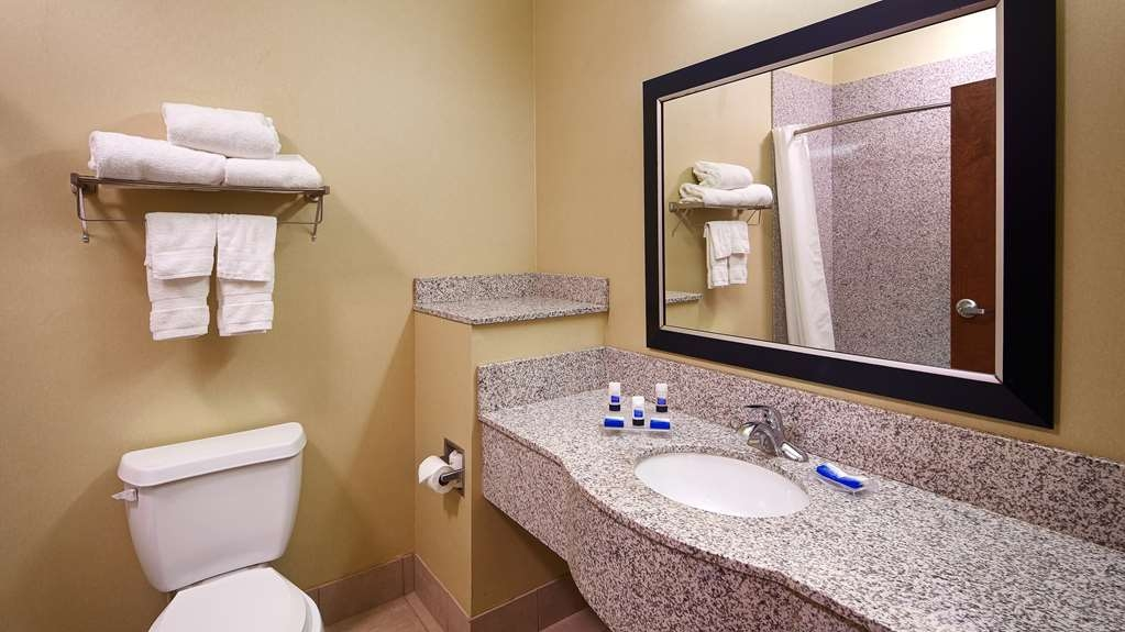 Best Western Plus DeSoto Inn & Suites - Enjoy getting ready for the day in our fully equipped guest bathrooms.