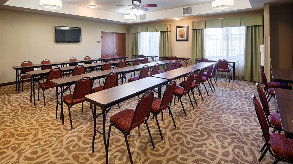 Best Western Plus DeSoto Inn & Suites - Our professional staff is here to go above and beyond your expectations to ensure your meeting is perfect.