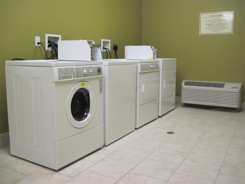 Best Western Plus Chalmette Hotel - Keep yourself looking your best with our guest laundry services.