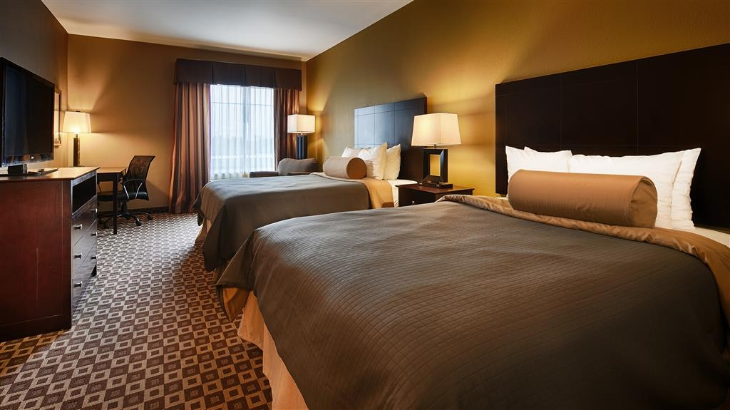 Best Western Plus Chalmette Hotel - Need more space? Ask about of 2 queen bed rooms.