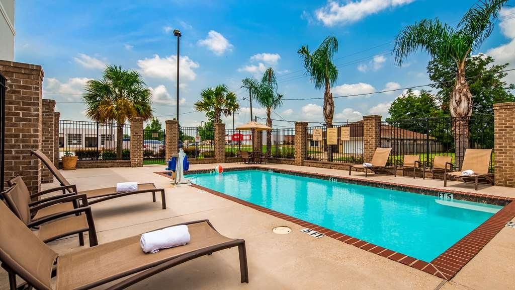 Best Western Plus Chalmette Hotel - Pool view