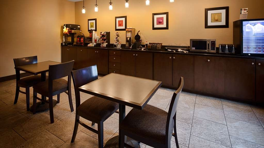 Best Western Oakdale Inn - Breakfast Area
