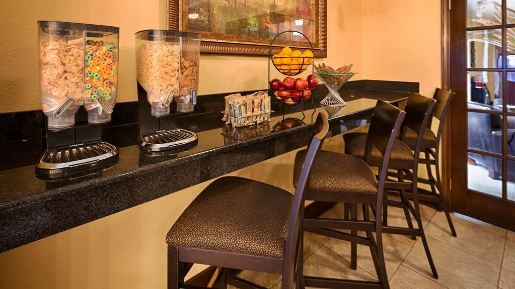 Best Western Oakdale Inn - Breakfast Bar