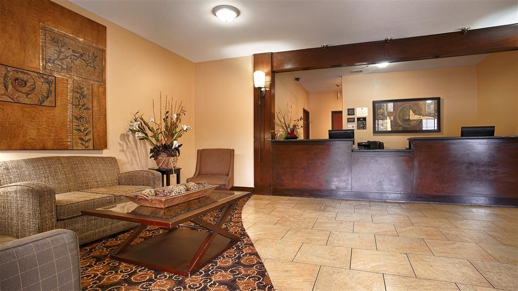 Best Western Oakdale Inn - Hall dell'hotel