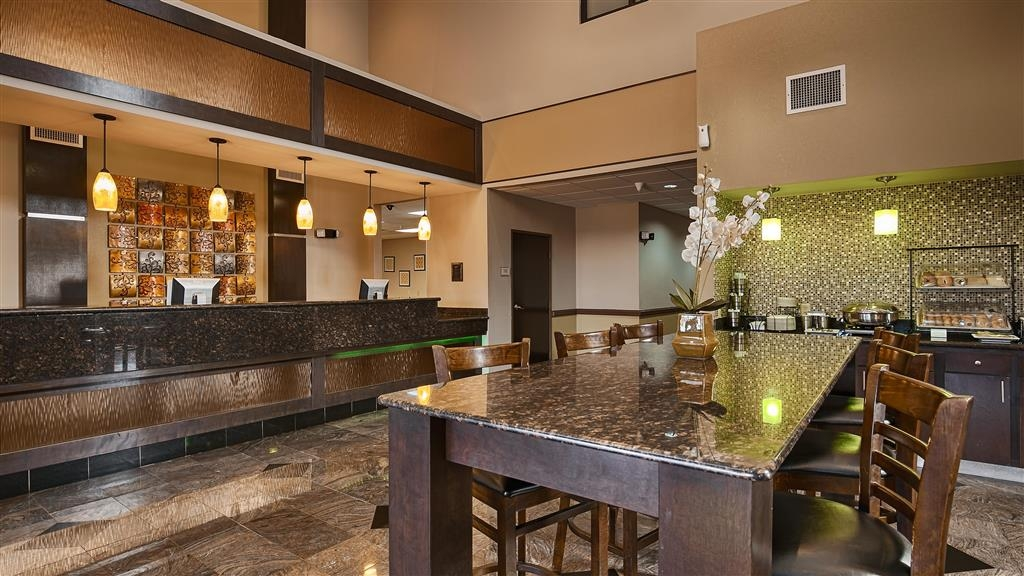 Best Western Bayou Inn & Suites - Hall