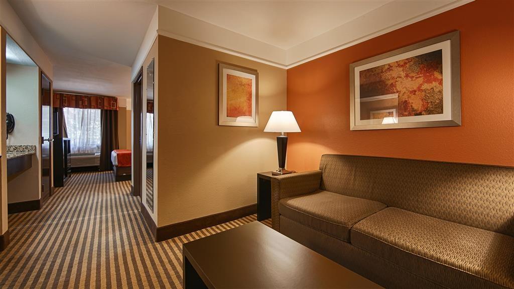 Best Western Bayou Inn & Suites - Suite