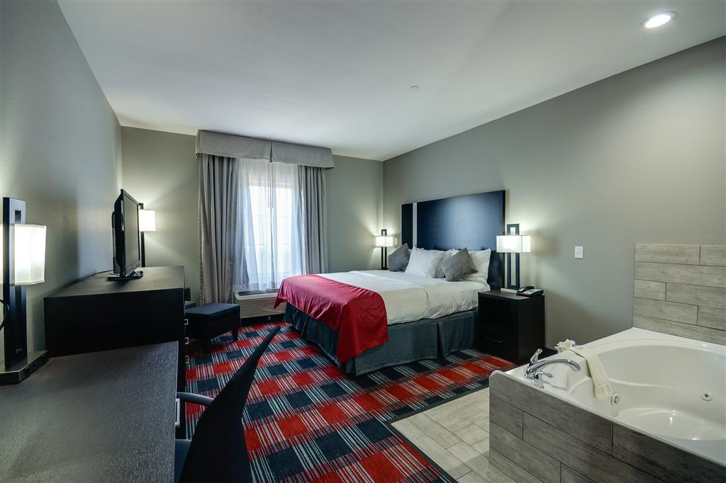 Best Western Casino Inn - King Whirlpool Suite