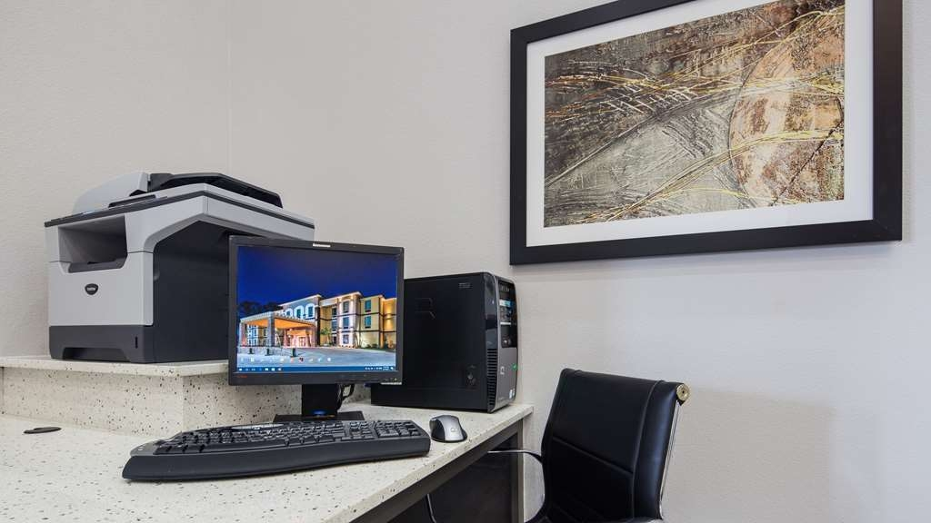 Best Western Plus Regency Park Hotel - Keep connected with your loved ones in our business center.