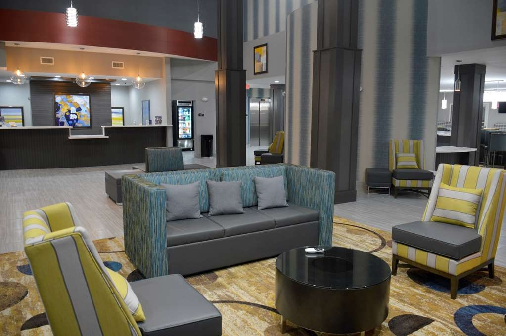 Best Western Plus Airport Inn & Suites - empfang