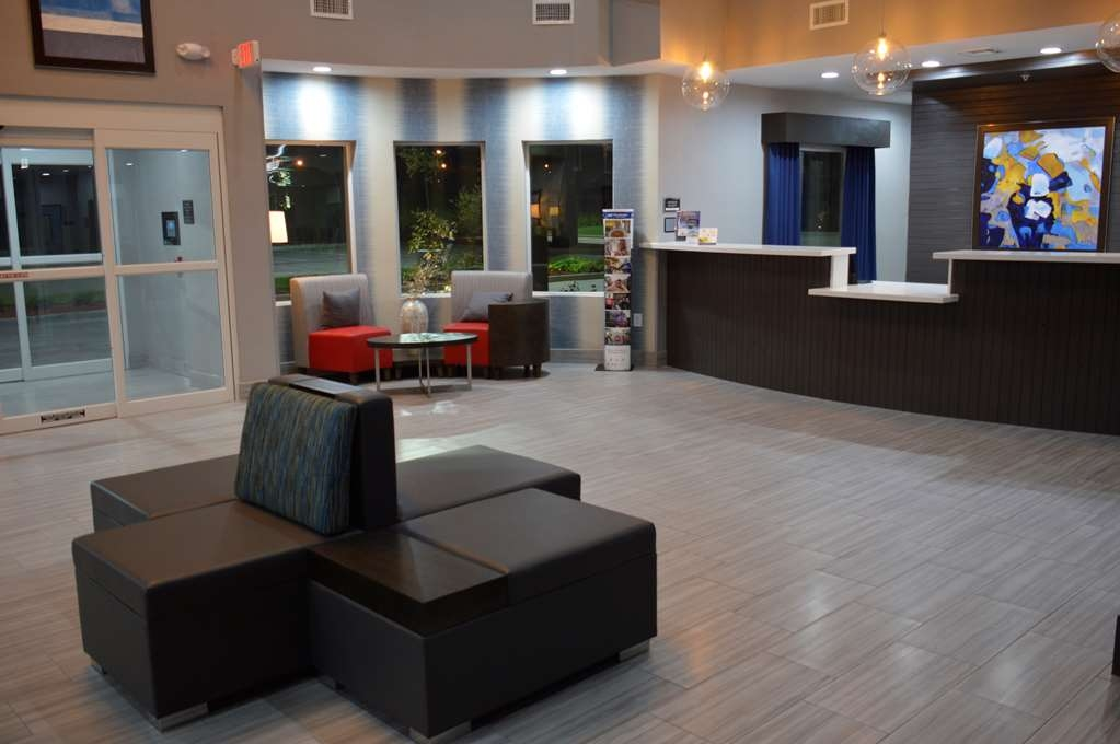 Best Western Plus Airport Inn & Suites - Front Desk and Lobby