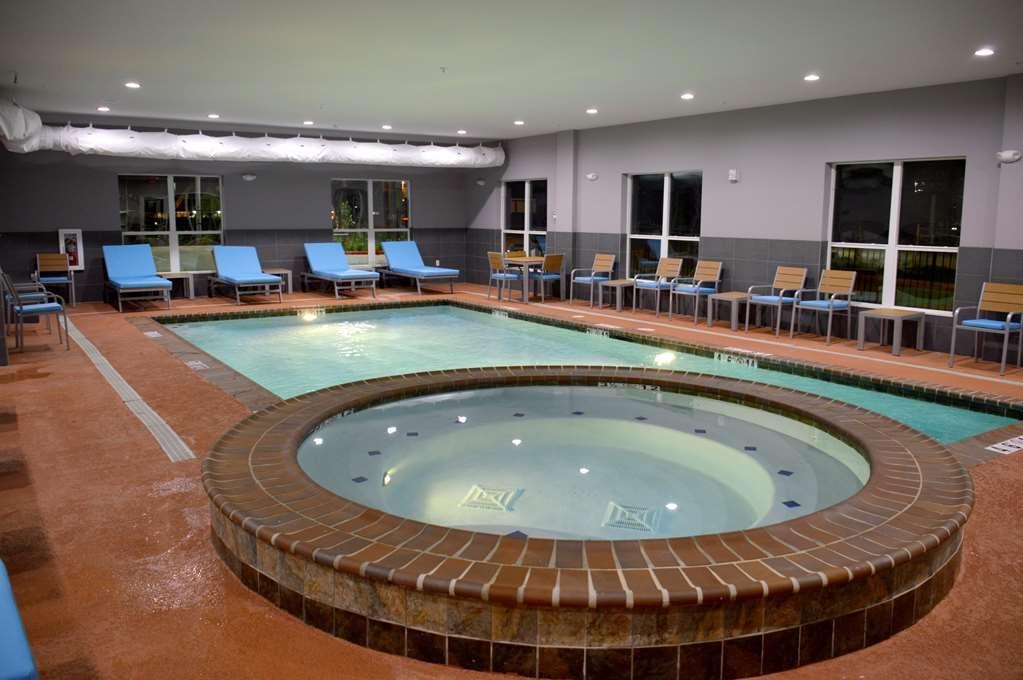Best Western Plus Airport Inn & Suites - piscina coperta