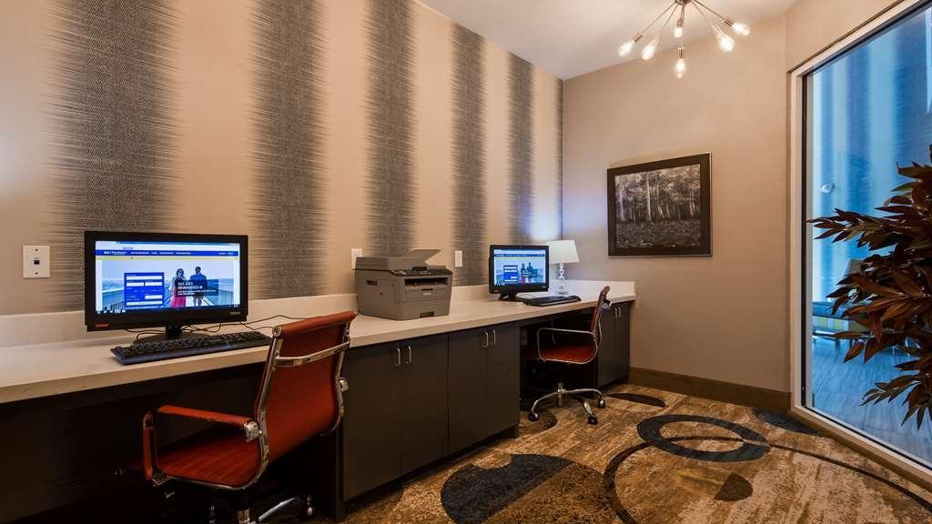 Best Western Plus Airport Inn & Suites - affari-centro