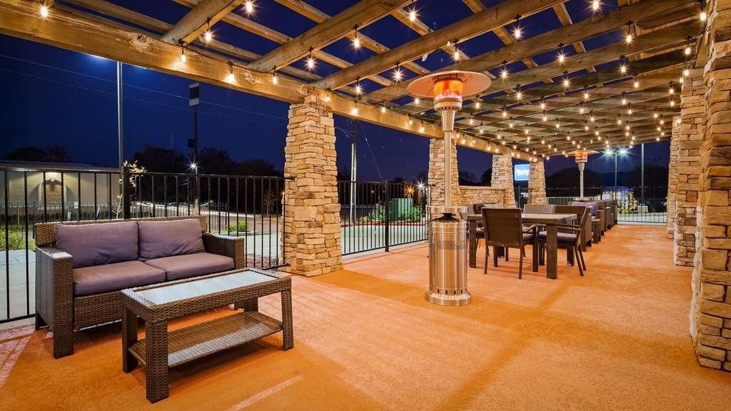 Best Western Plus Airport Inn & Suites - proprietà amenità