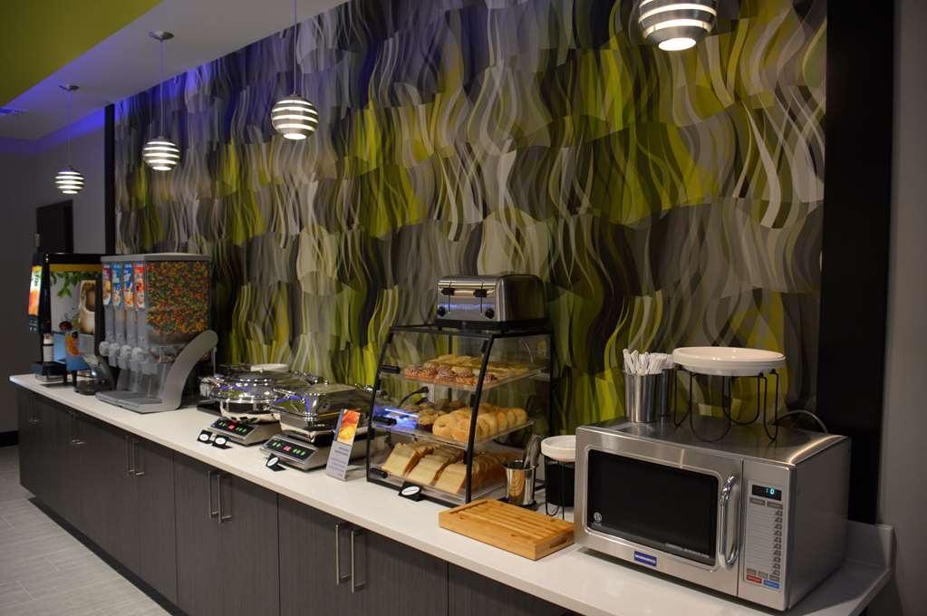 Best Western Plus Prien Lake Inn & Suites - Le petit déjeuner buffet