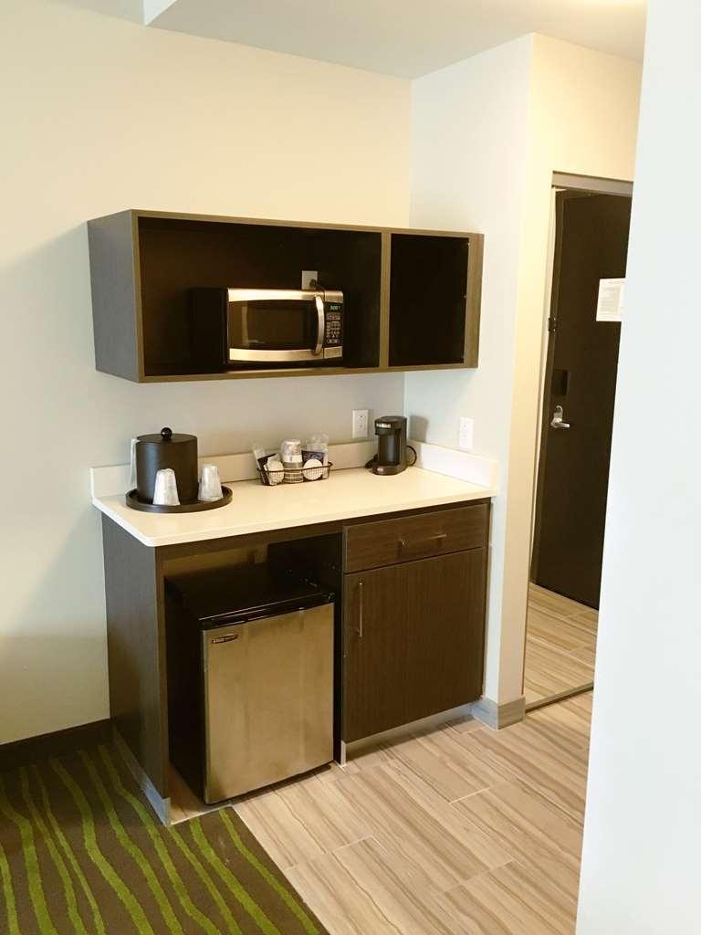 Best Western Plus Prien Lake Inn & Suites - Chambre d'agrément