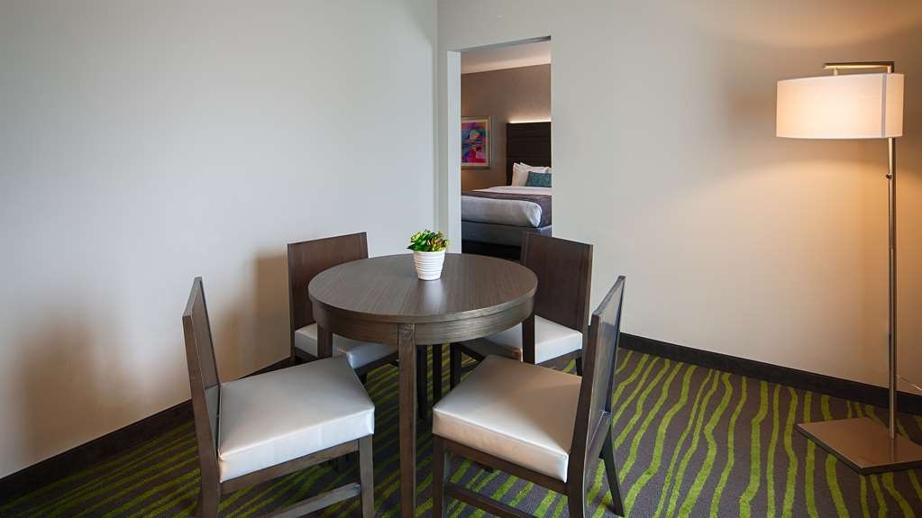Best Western Plus Prien Lake Inn & Suites - Chambres / Logements