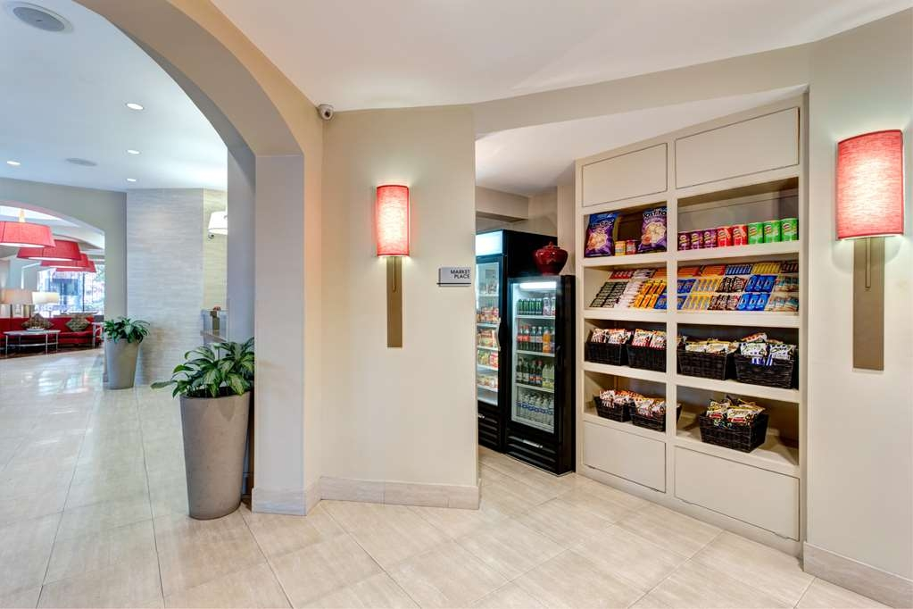 Blake Hotel New Orleans, BW Premier Collection - Enjoy a late night snack or beverage at the Blake Hotel Sweet Shop located in the lobby.