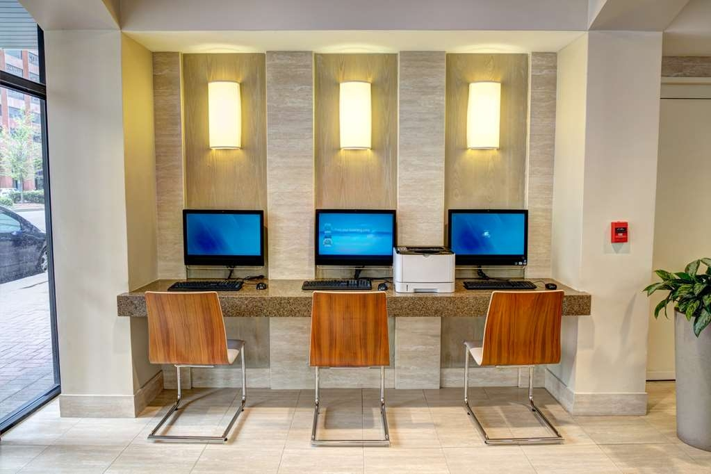 Blake Hotel New Orleans, BW Premier Collection - Our business center features a free printer for you to use.