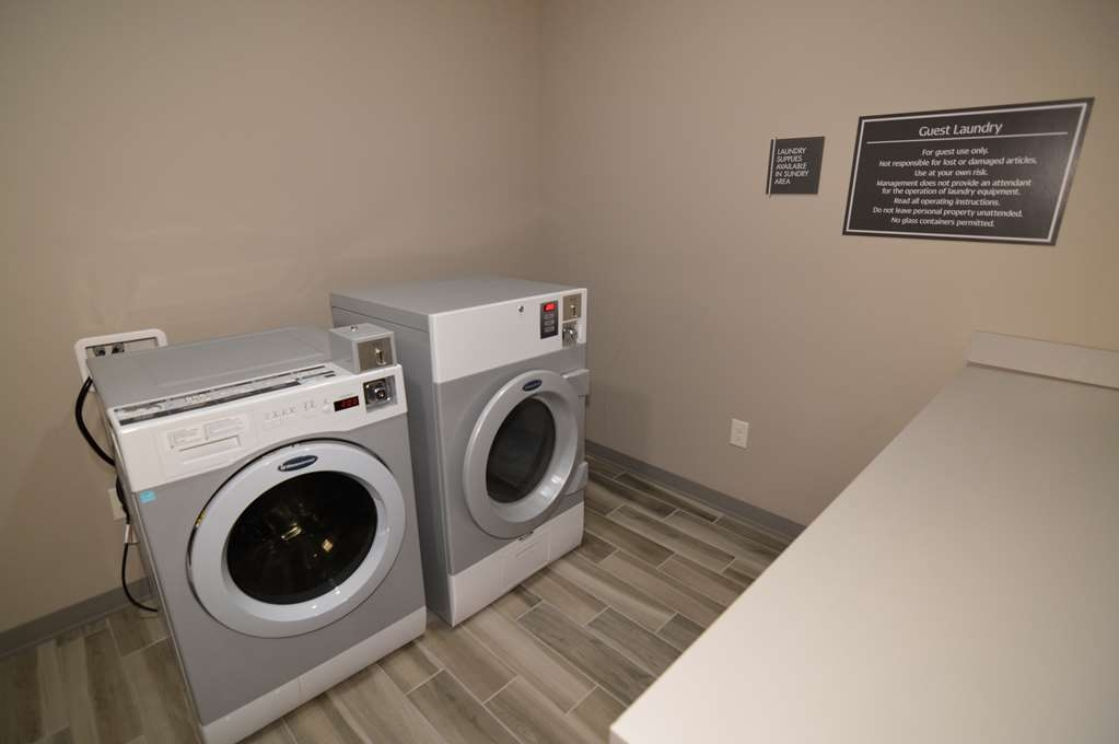 Best Western False River Hotel - Guest Laundry