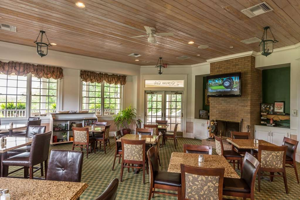 Cypress Bend Resort, BW Premier Collection - Great place to grab lunch, a snack or beverage before or after you hit the course or just come and relax.