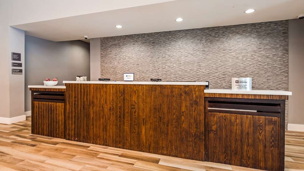 Best Western Plus Executive Residency Ascension Hotel - Checking in at our hotel is just the beginning of a world-class experience.