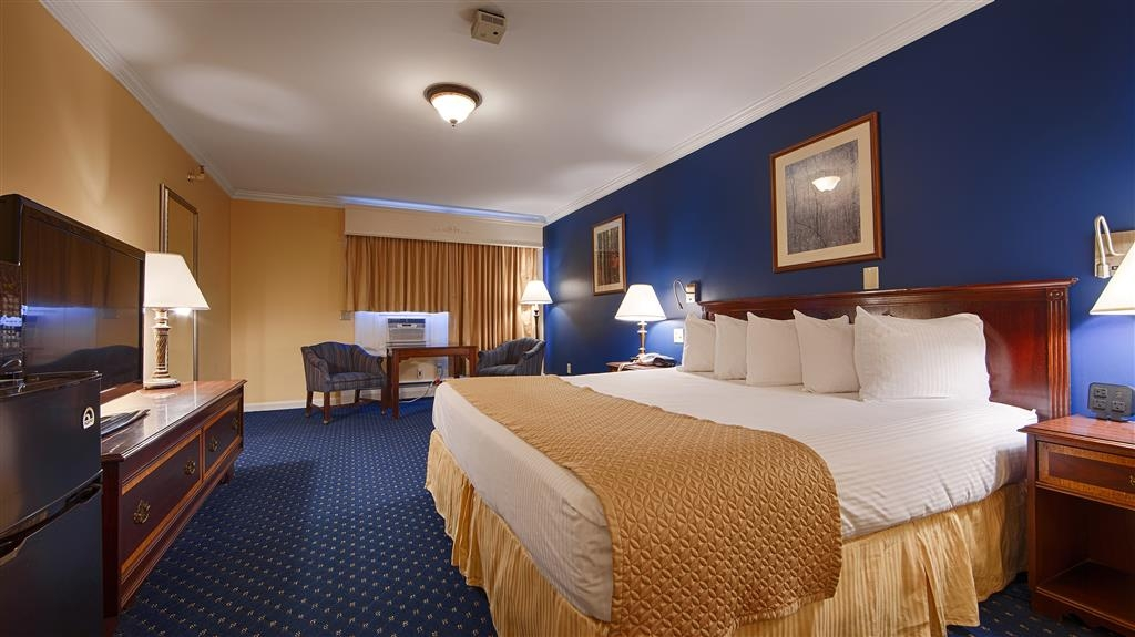 Best Western White House Inn - Experience one of our traditional king rooms.
