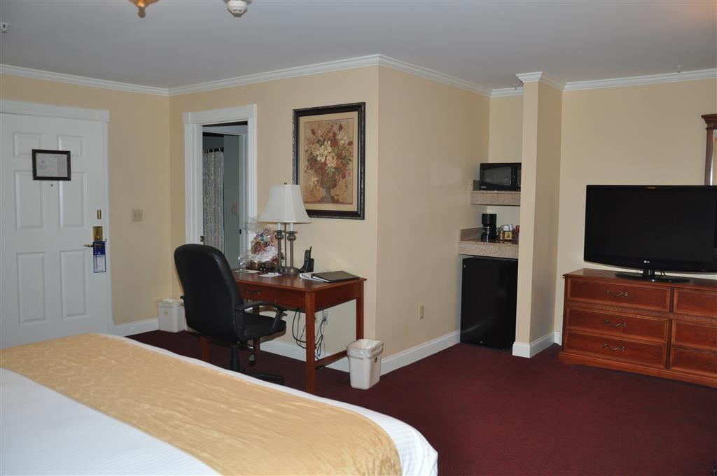 Best Western White House Inn - Our executive king room was designed with an open concept, ensuring you have enough room without sacrificing comfort.