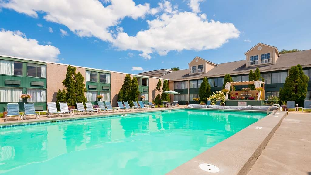 Best Western Merry Manor Inn - Piscina
