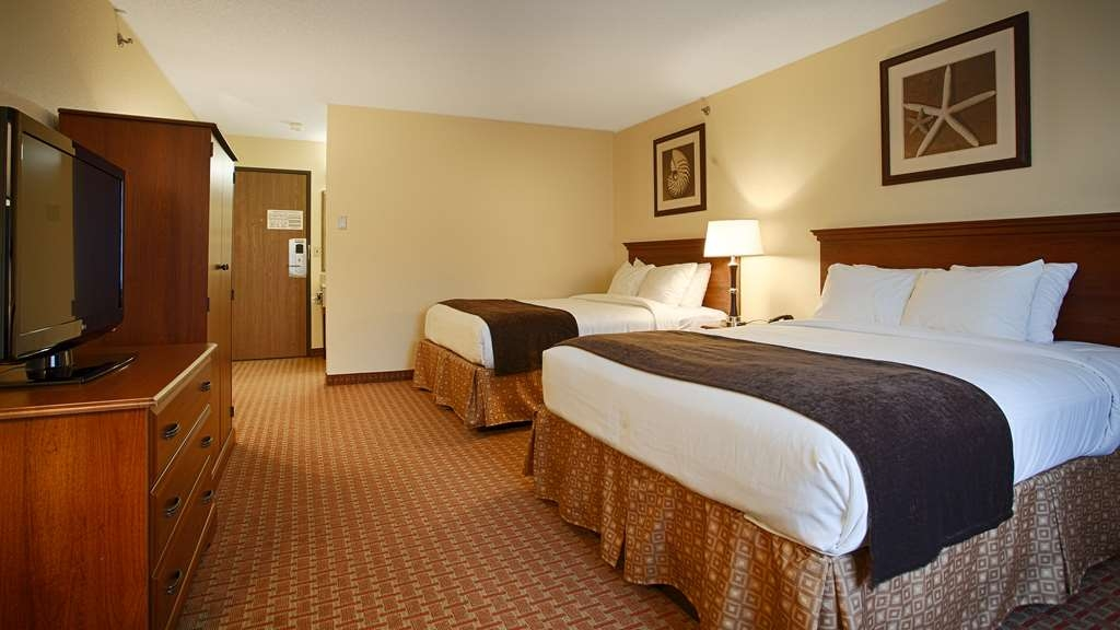 Best Western York Inn - If your bringing a family of four we have space for you in our double queen bedroom.
