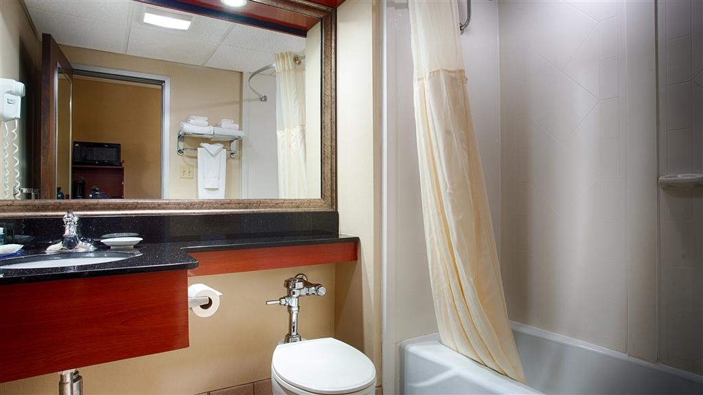 Best Western Plus Augusta Civic Center Inn - Salle de bain