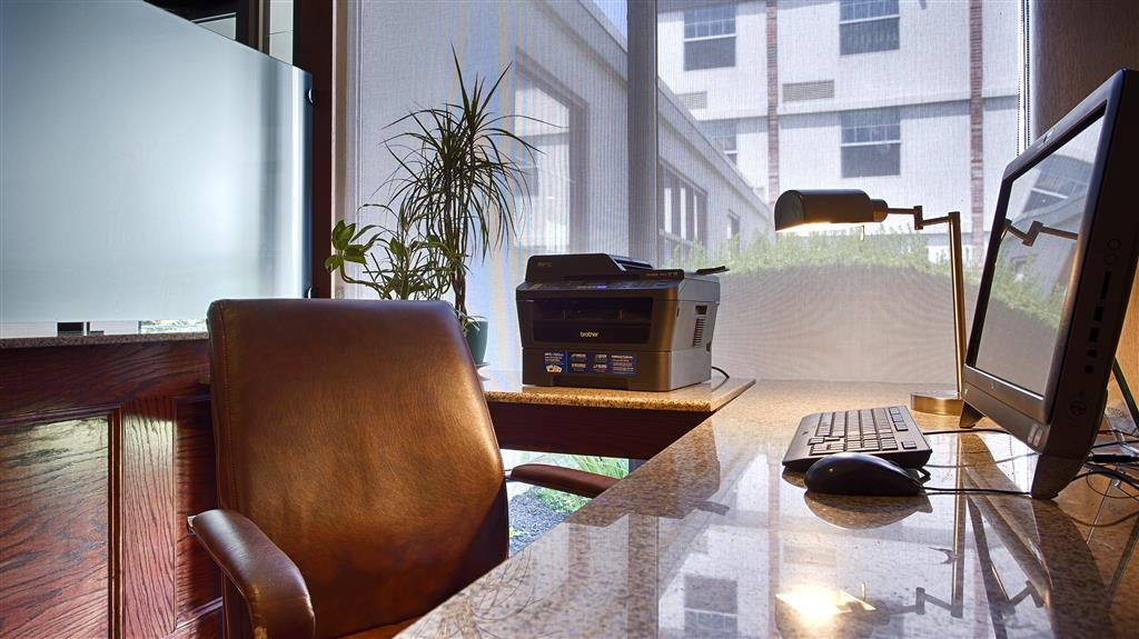 Best Western Plus Waterville Grand Hotel - Stay productive during your time away from home in our business center.