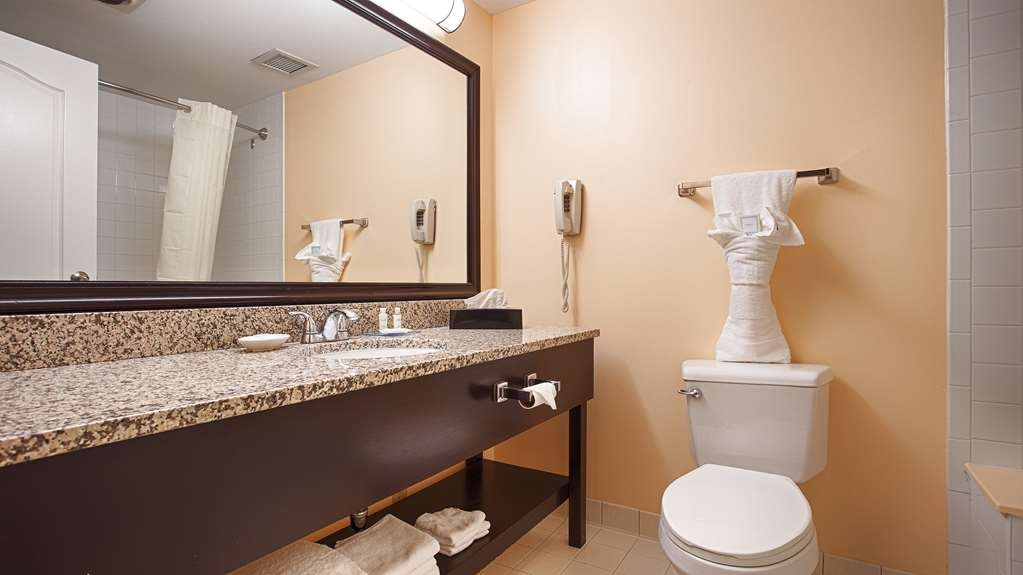 Best Western Plus Brunswick Bath - Baño