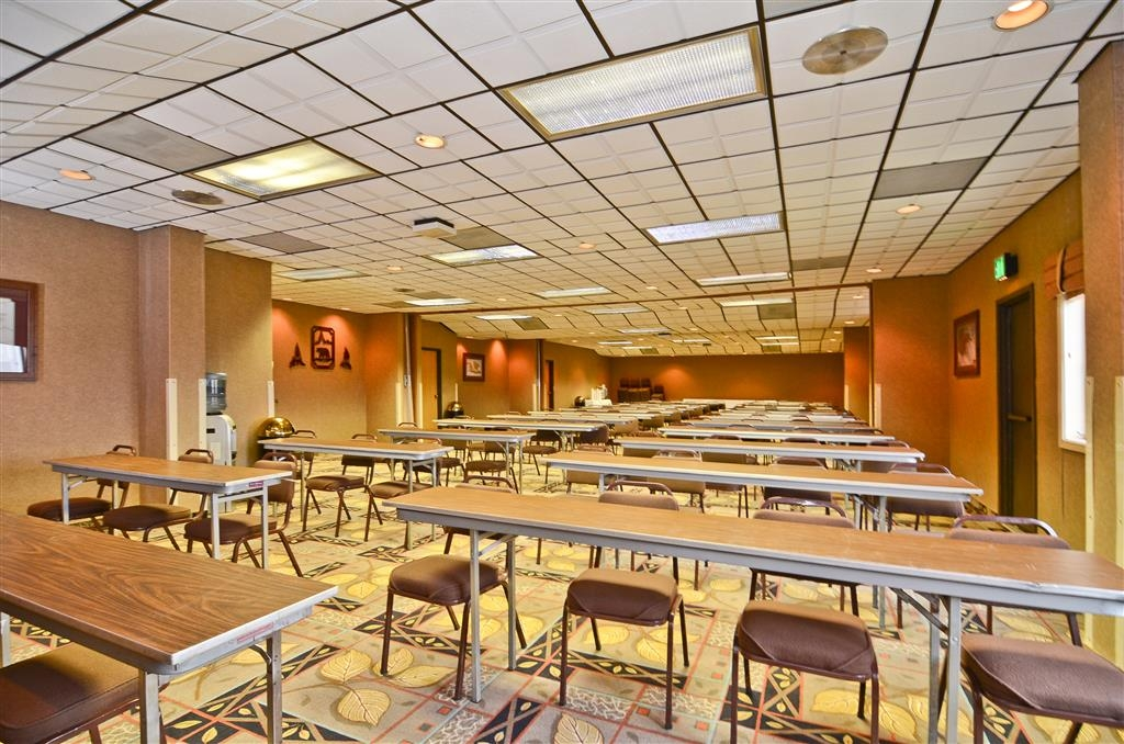 Best Western Bidarka Inn - We can set up our meeting space to fit your needs.