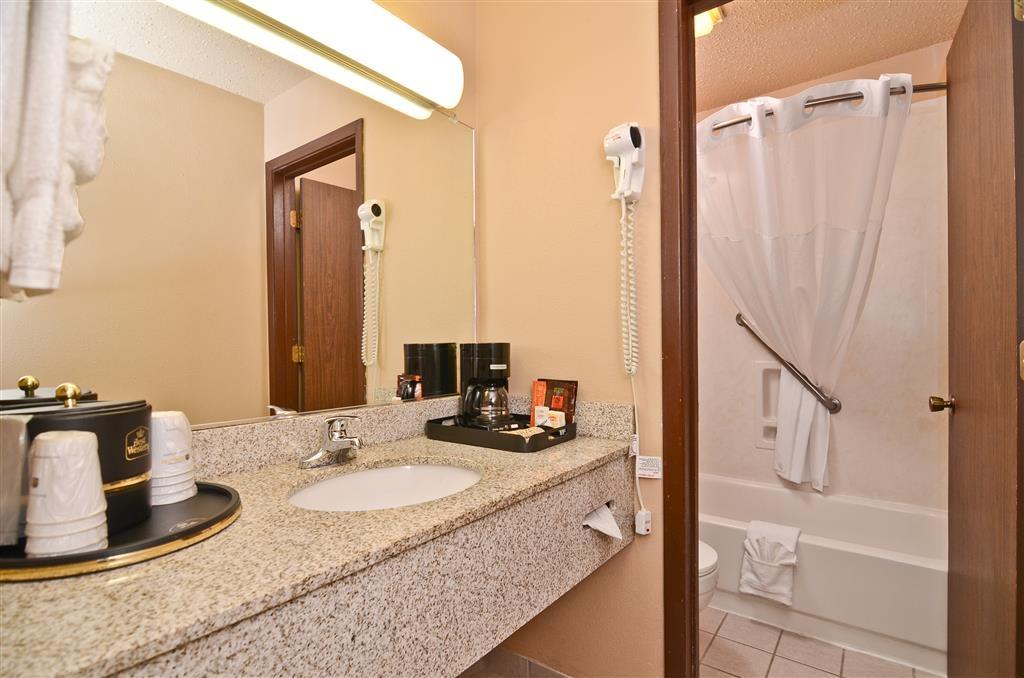 Best Western Bidarka Inn - Unsere Badezimmer sind immer einwandfrei.
