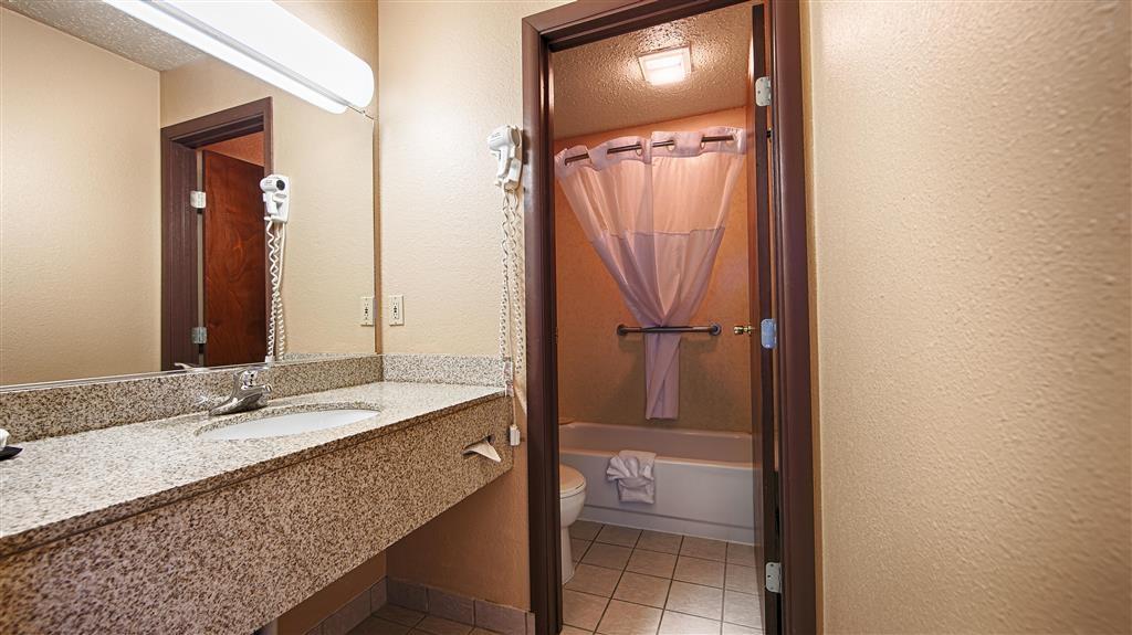 Best Western Bidarka Inn - Badezimmer