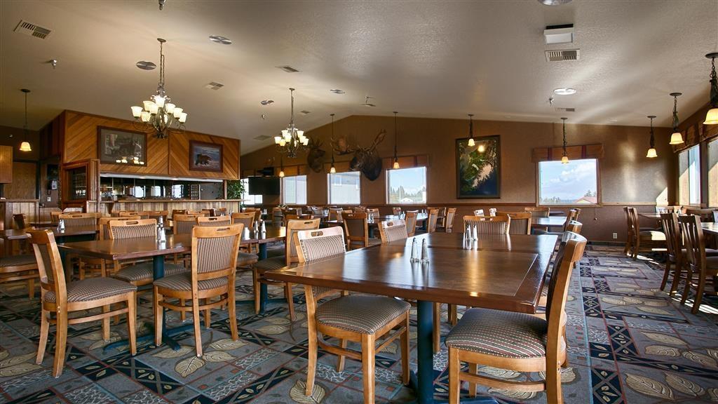 Best Western Bidarka Inn - Le petit déjeuner buffet