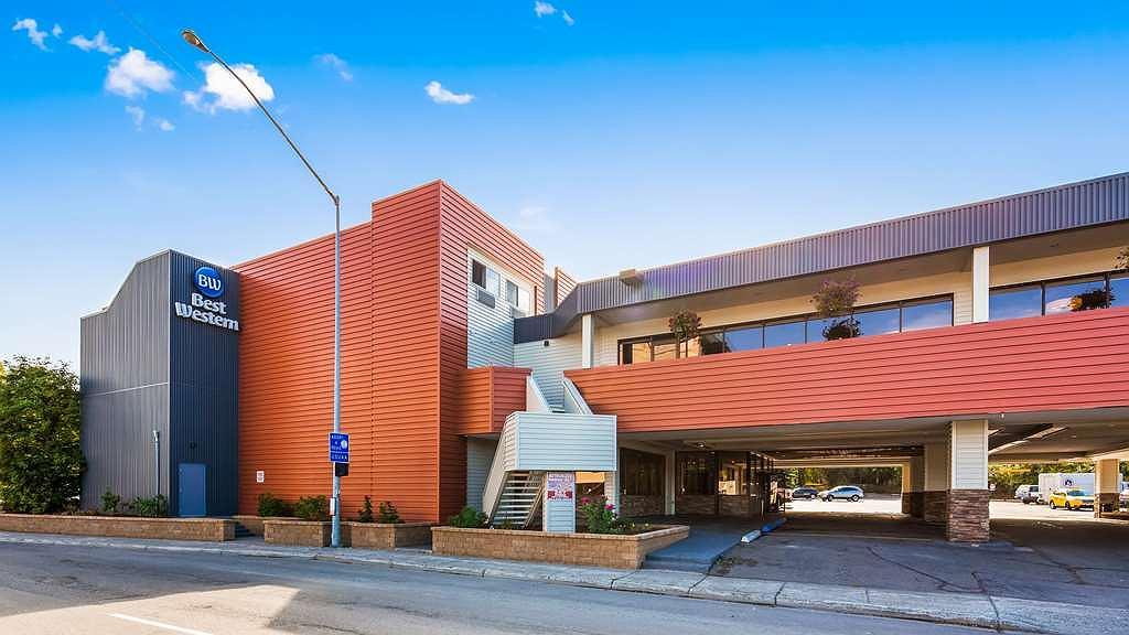 Best Western Golden Lion Hotel - Façade