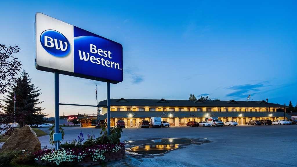 Best Western King Salmon Motel - Facciata dell'albergo