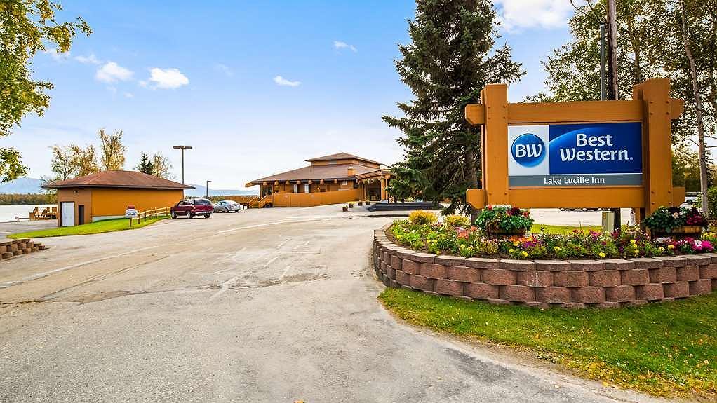 Best Western Lake Lucille Inn - Aussenansicht