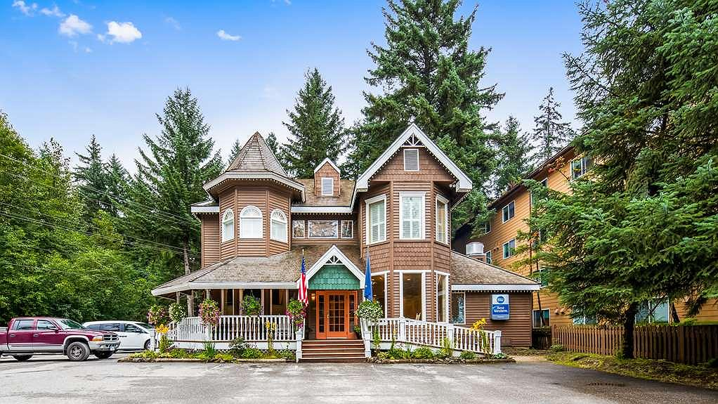 Hotel in Juneau | Best Western Grandma's Feather Bed