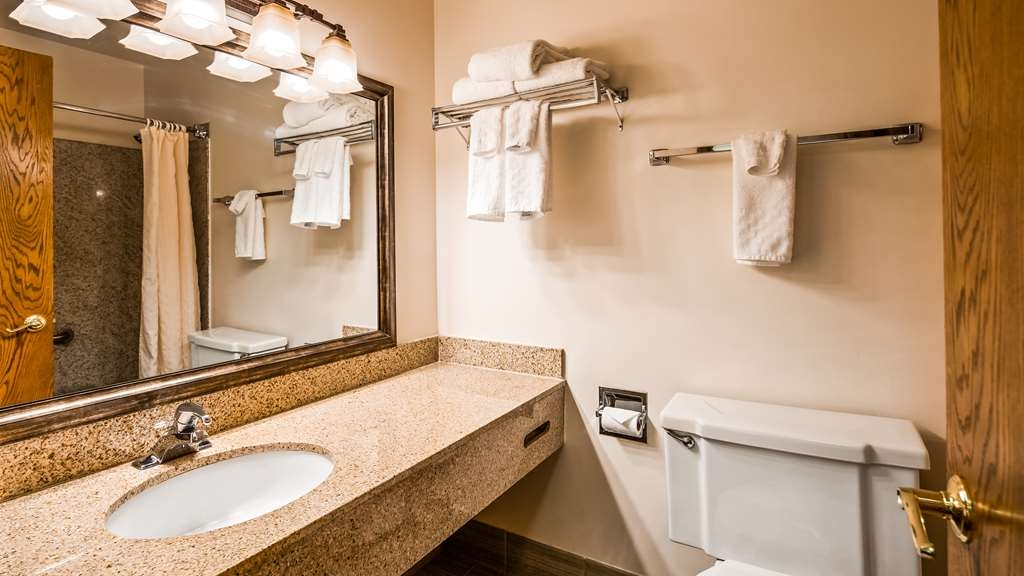 Best Western Kodiak Inn and Convention Center - Guest Bathroom