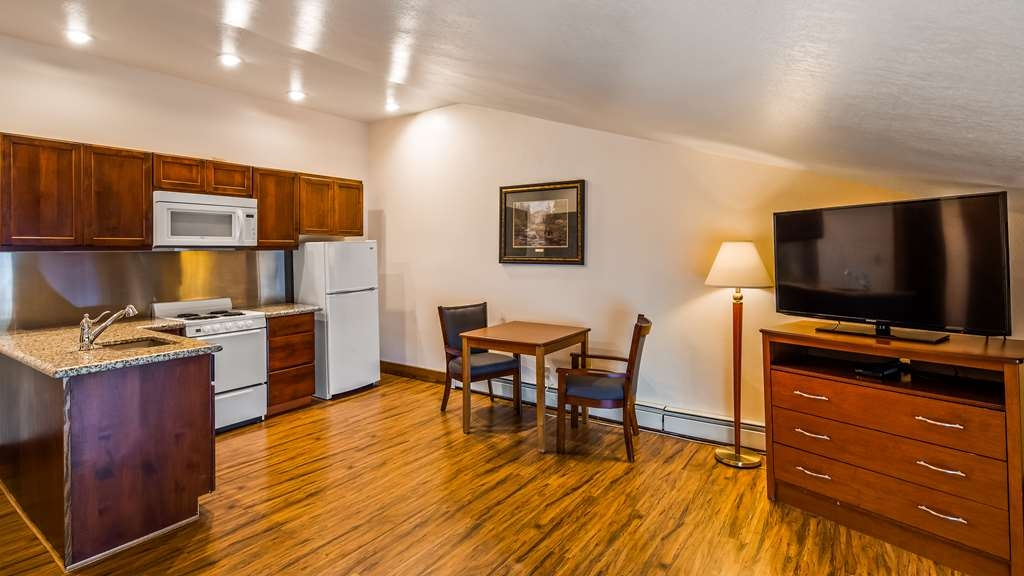 Best Western Kodiak Inn and Convention Center - Suite Kitchen