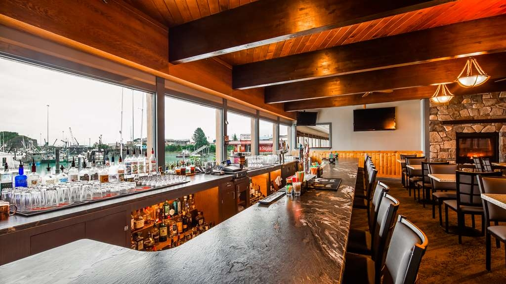 Best Western Valdez Harbor Inn - Bar/Lounge