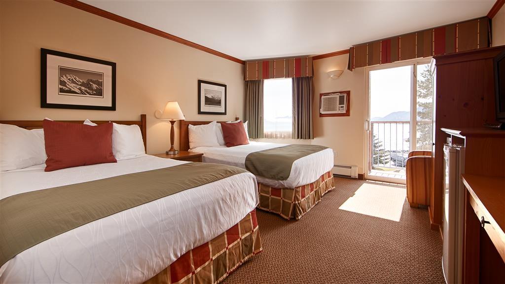 Best Western Plus Edgewater Hotel - Guest Room